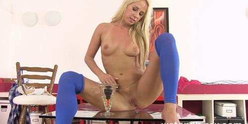 Blonde makes a pissy puddle