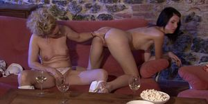 Guy finds his old mommy and young teen naked