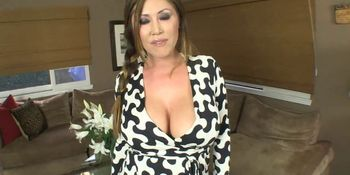 Juggy cougar gives a sloppy blowjob on a throbbing boner in the car  359564