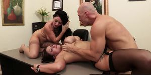 Brazzers - Big Tits at Work - Eva Notty Sophie Dee Johnny Sins - Acing the Interview