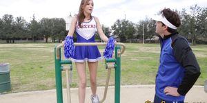 Stepdaughter gets facial Porn Videos