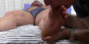 Curvaceous Gavin asleep during dirty foot worship
