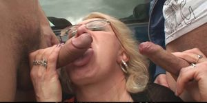 Picked up old blonde woman 3some-fucked