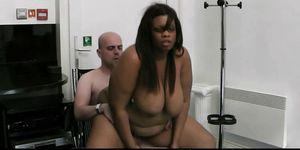 Ebony plumper pleases boss for job