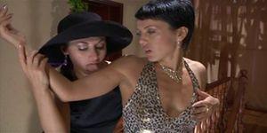 Sexy milf free porn - Sexy lesbian milf