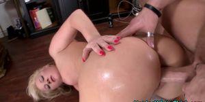 Big ass blonde gets oral
