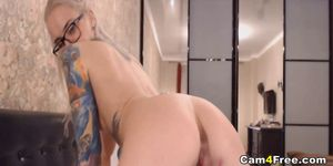 Hottie Fuck Her Pussy Till She Have Multiple Orgasm