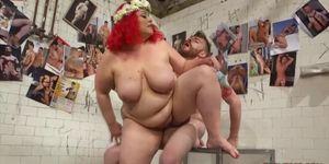 BBWS Bathe and Perform With Their Slave Boy