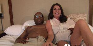 Black Guy Fucks A Horny Lonely Wife