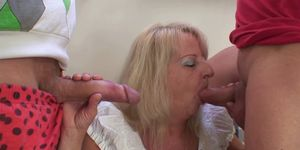 Threesome party with boozed blonde granny Porn Videos
