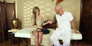 Tattooed massage amateur deepthroats masseur