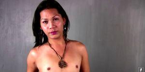 Filtrado FULL película de peludo tailandés femboy sacudidas hasta la corrida