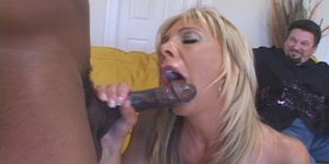 Busty Housewife Ready For New Lover