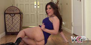 Sexy Busty Aleska Nicole