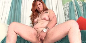 Chunky girl Lilly Lust uses sex toys