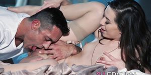 21EROTICA - Graceful babe gets her pussy banged and jizzed on