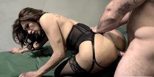 Horny Guy no esperaba follar el culo de Hot Hooker TBabe Jessy Dubais