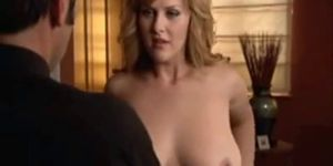 Sara Rue showing her hot big boobs