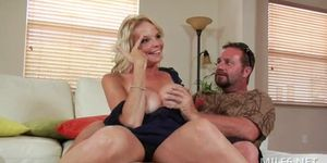 Voluptuous milf seducing her neighbor and getting oral sex