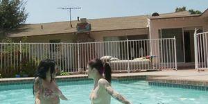 Angel Joanna seduces hot lesbo in the pool