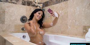 Grasa culo latina en baño