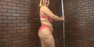 BBW Samantha pole dancing before sex