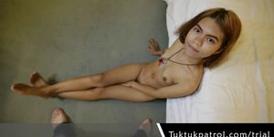 Asian Thai Girl Give A Nice Blowjob