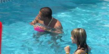 Underwater sexgames fuck with horny bikini babes