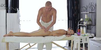 Two-way massage and fucking
