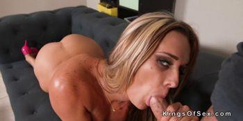 Hot ass blonde MILF gets facial jizz