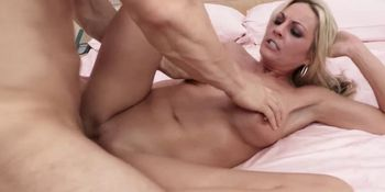 solo milf squirting hd