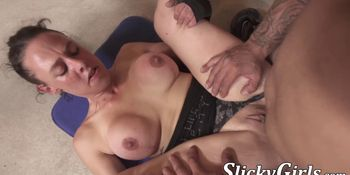 Femme fatale inserts big dick anally before creampie