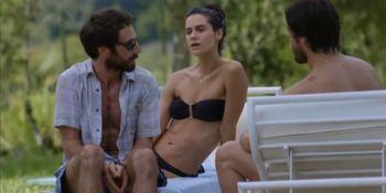 Branca Messina nude - Carolina Chalita nude - Amor de 4 s01e01-07 - 2017