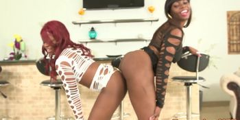 Ebony booty babes facialized in threeway